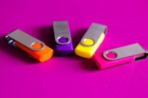 Pourquoi opter pour des clés USB publicitaires ?