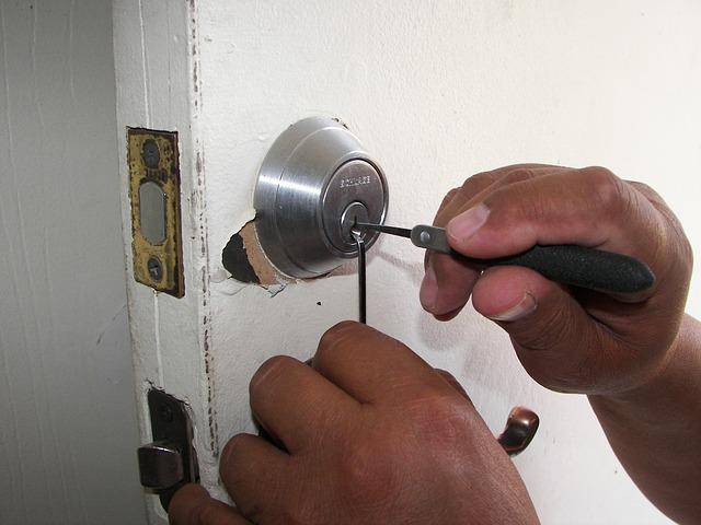 Étapes simples pour fortifier les interruptions de domicile et de détresse